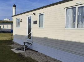 hollies retreat, resort in Lossiemouth