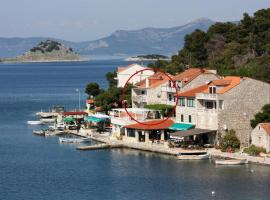 Rooms by the sea Pomena, Mljet - 4929, guest house in Pomena
