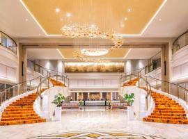 Royal Plaza on Scotts: Singapur, Ulusal Üniversite Hastanesi yakınında bir otel