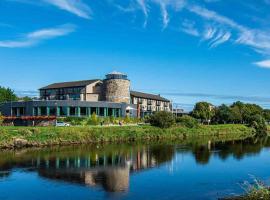 The Riverside Park Hotel, hotel in Enniscorthy
