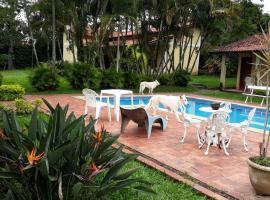 Paraíso Penedo, hotel with pools in Penedo