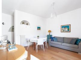 Casa Fló, apartment in Salerno