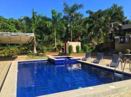 Studio-Type Villa for 8pax + Pool(Exclusive) + Netflix + Wifi, homestay in Puerto Princesa