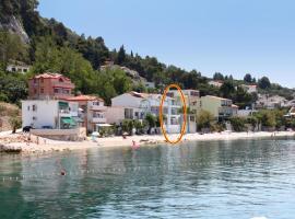 Apartments by the sea Drasnice, Makarska - 6652, hotel in Drasnice
