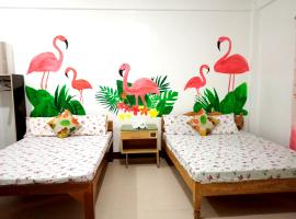 Flamingo Room - Fan Only at Casa Bolo - 15mins to Hundred Island, hotel in Alaminos