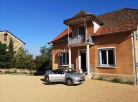 La Maison Fleur de Frangipanier, hôtel à Saint-Genix-sur-Guiers près de: Walibi Rhône-Alpes