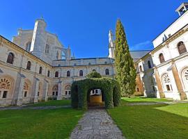 Hospedería Monasterio de La Vid, hotel en La Vid y Barrios