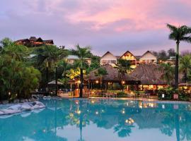 Outrigger Fiji Beach Resort, hotel in Korotogo