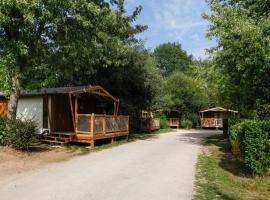 Camping La Bretèche, hôtel aux Épesses