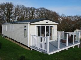 33 Solent Village, glamping site in Cowes