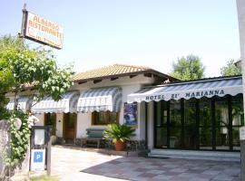 Hotel Zi Marianna, hotell i Pertosa