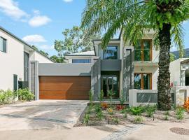 Esprit Luxury Retreat Palm Cove, hotel in Palm Cove