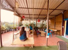 Hide-In Hostel Delhi, hotel near Qutub Minar, New Delhi