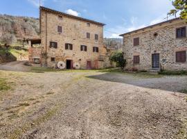 Rustic Holiday Home in Castigli on Fiorentino with Terrace, hotel a Castiglion Fiorentino