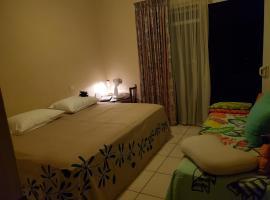 Kohutahia Lodge Tahiti Room pick-up needed 7 minutes by car from airport and Town, hotel perto de Aeroporto Internacional de Fa'a'ā - PPT,