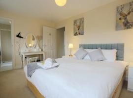 EasyTravel Luxury NEC/Airport 3 beds House, family hotel in Birmingham