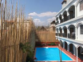 SAFFRON LODGE, hotel in Nyaungshwe Township