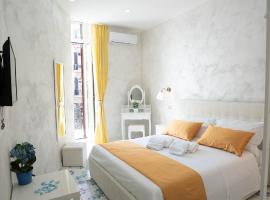 Alma Adry In Naples, bed & breakfast a Napoli