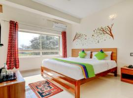 Treebo Trend Atithi Comforts,Coorg, hotel in Kushālnagar