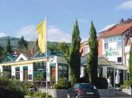 Hotel Hirschen, hotel near Schauinsland, Merzhausen