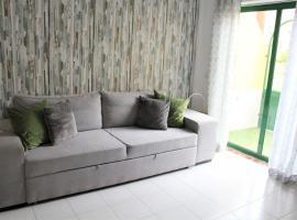 Ideal apartment by the sea. Costa del Silencio, hotel in Costa Del Silencio
