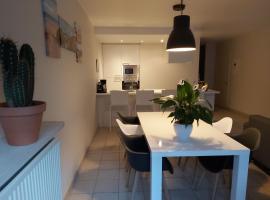 Gezellig, modern appartement op uitstekende ligging, apartment in Knokke-Heist