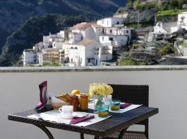 Dint'a Torre Bed and Breakfast, budget hotel in Scala