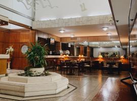 Balmoral Plaza Hotel, hotel in Montevideo