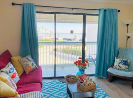 Coastal Blessings! steps away from the beach., vacation rental in Galveston