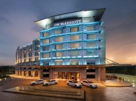 JW Marriott Hotel Chandigarh, hotel with jacuzzis in Chandīgarh