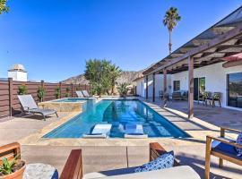 Luxurious Oasis with Hot Tub, Near Golf & Coachella!, hotel in La Quinta