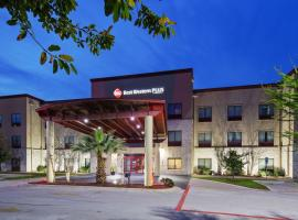 Best Western PLUS Austin Airport Inn & Suites, hotel u blizini znamenitosti 'Texas Memorial Stadium' u gradu 'Austin'