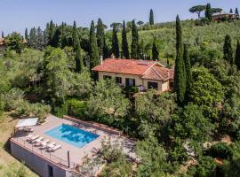Villa in the hills with private pool and panoramic view near a medieval castle, hotel a Castiglion Fiorentino