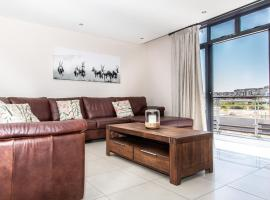 Modern Beachfront 2 Bed Apartment 233 Eden on the Bay, Blouberg, Cape Town, apartment in Bloubergstrand