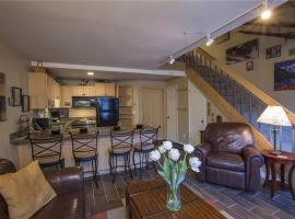 Columbia Place 9 - Charming Condo in Mountain Village, hotel in Telluride