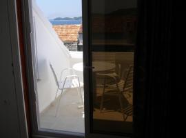 Apartment Niks, hotel in Vela Luka