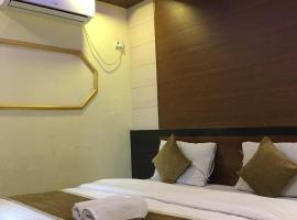 Hotel Golden Veena, hotel in Mount Ābu
