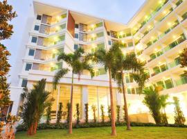 Vareena palace hotel, отель в городе Северная Паттайя