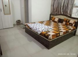 Radha Deo Guest House, room in Patna