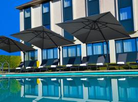 Golf Hôtel Grenoble Charmeil, hôtel à Saint-Quentin-sur-Isère près de: Aéroport de Grenoble - Isère - GNB