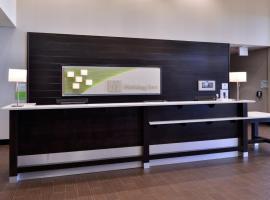 Holiday Inn Hotel & Suites Edmonton Airport Conference Centre, an IHG Hotel, hotel near Edmonton International Airport - YEG, Nisku