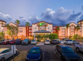 Holiday Inn Express & Suites Phoenix Airport, an IHG hotel, hotel near Phoenix Sky Harbor International Airport - PHX,