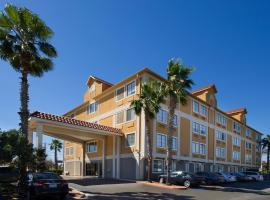 Holiday Inn Express & Suites San Antonio - Downtown Market Area, an IHG Hotel, hotel near River Walk, San Antonio