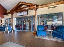 Comfort Suites Bethlehem Near Lehigh University and LVI Airport, pet-friendly hotel in Bethlehem