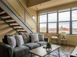 2 BR Apt Near Convention Center by Frontdesk, apartment in Fort Worth