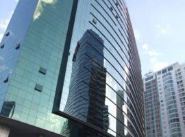 Apt Particular em Hotel frente Conj Nacional Shopping, apartment in Brasilia