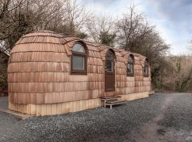 Let's Go Hydro IgluHut Belfast, hotel with jacuzzis in Belfast