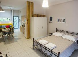 Luxurious Studio, near Athens Airport, hotel in Markopoulo