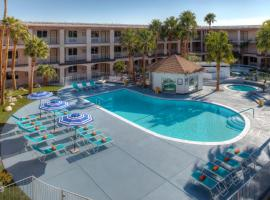 Aqua Soleil Hotel and Mineral Water Spa, hotel v destinaci Desert Hot Springs