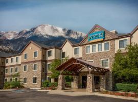 Staybridge Suites Colorado Springs North, hotel with jacuzzis in Colorado Springs